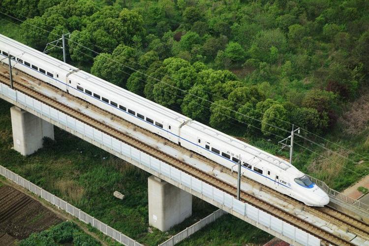 新闻6点丨春运火车票明起