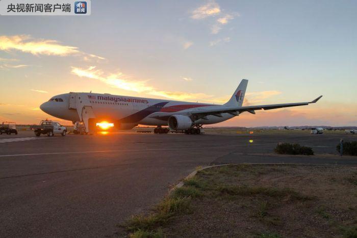 马航一载224人航班引擎故障罢工迫降 乘客:听到巨大响声