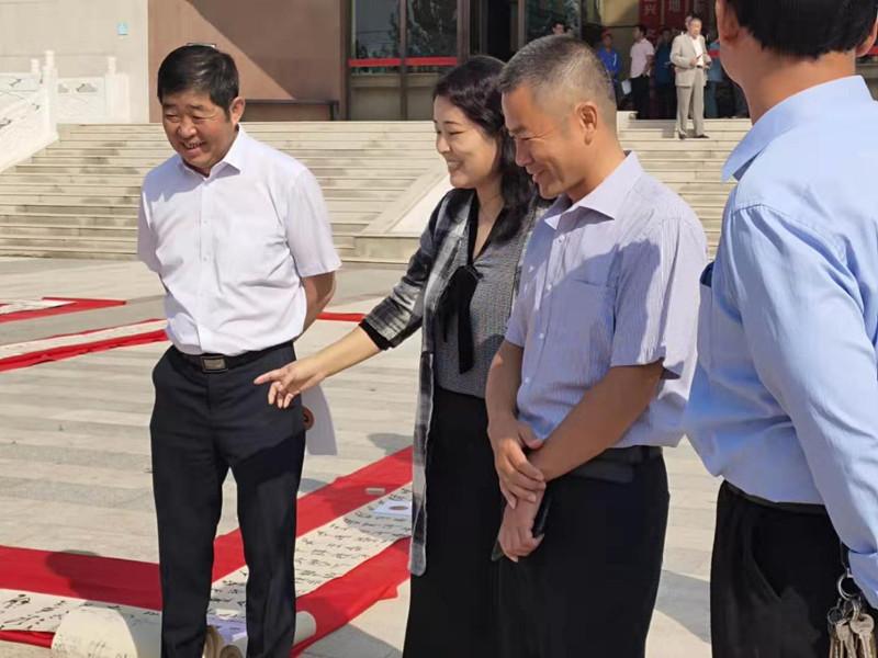 曲阳:杨丽静师生百米临作展在陈文增定瓷艺术馆举办